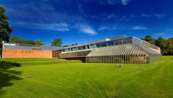 New Bespoke Displays for the Burrell Collection